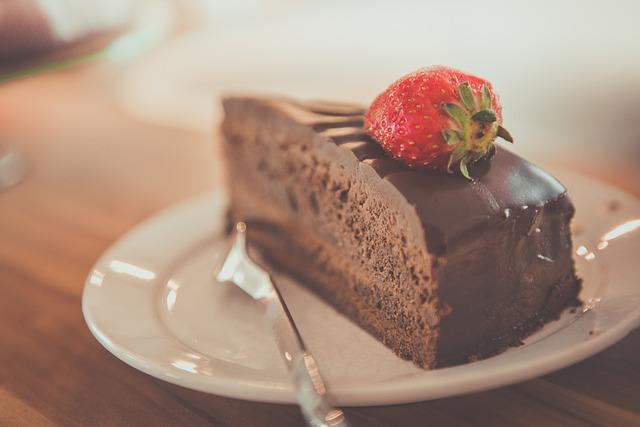 העוגה תמיד נופלת? ככה תעזרו לה להשאר שלמה ויפה!