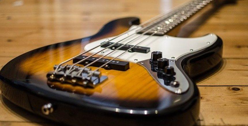 bass-guitar-913092_640